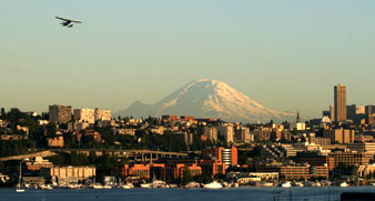 Seattle's Lake Union view of Mt. Rainier